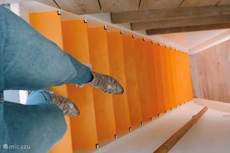 Steile trap naar slaapkamer