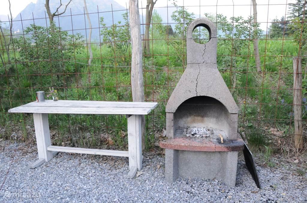 BBQ in eigen tuin