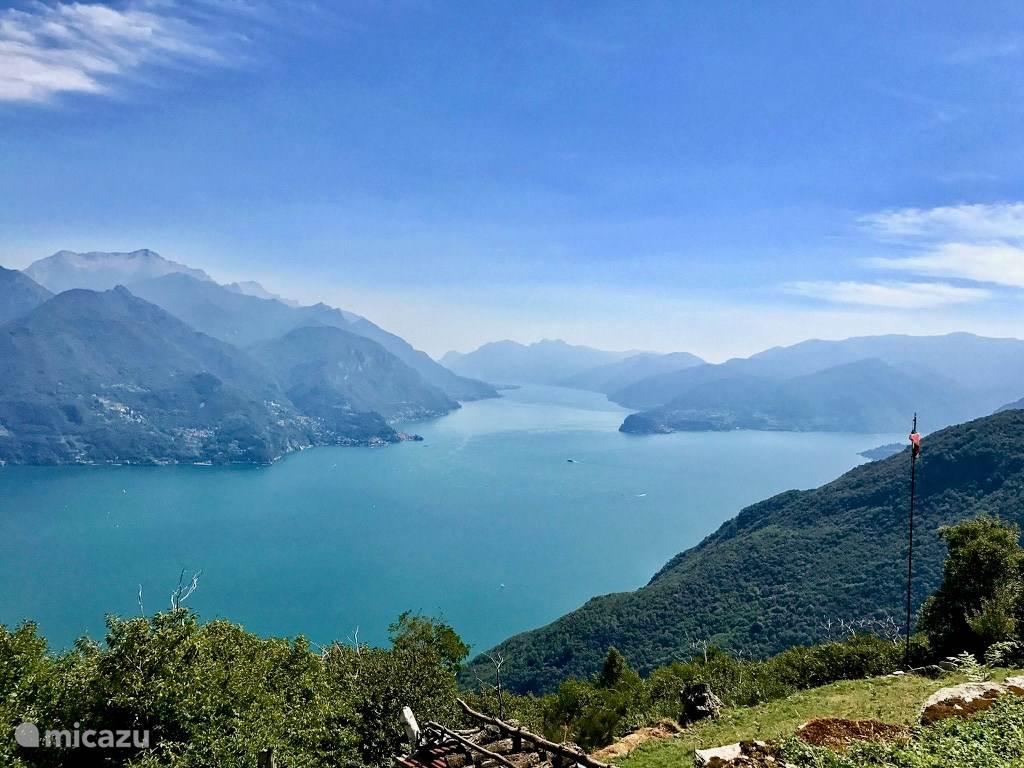 Het geweldige uitzicht vanaf Monte Treccione, recht boven het appartement.