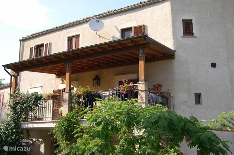 Vakantiehuis Italië, Abruzzen, Castiglione a Casauria Vakantiehuis Prachtig oud huis Abruzzen