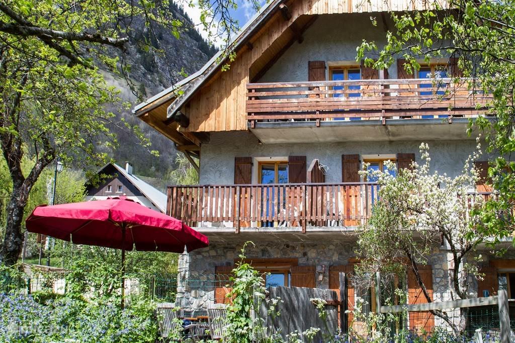 Vakantiehuis Frankrijk, Isère, Vaujany-Alpe d'Huez bed & breakfast Familiekamer Chalet Solneige zomer