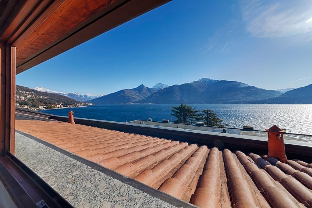 Zeer scherpe prijs! 6-pers. appartement,  met ruim balkon en meerzicht, 1 slpk, meer en strand op 80 meter, rustig en centraal, Menaggio op 4km.