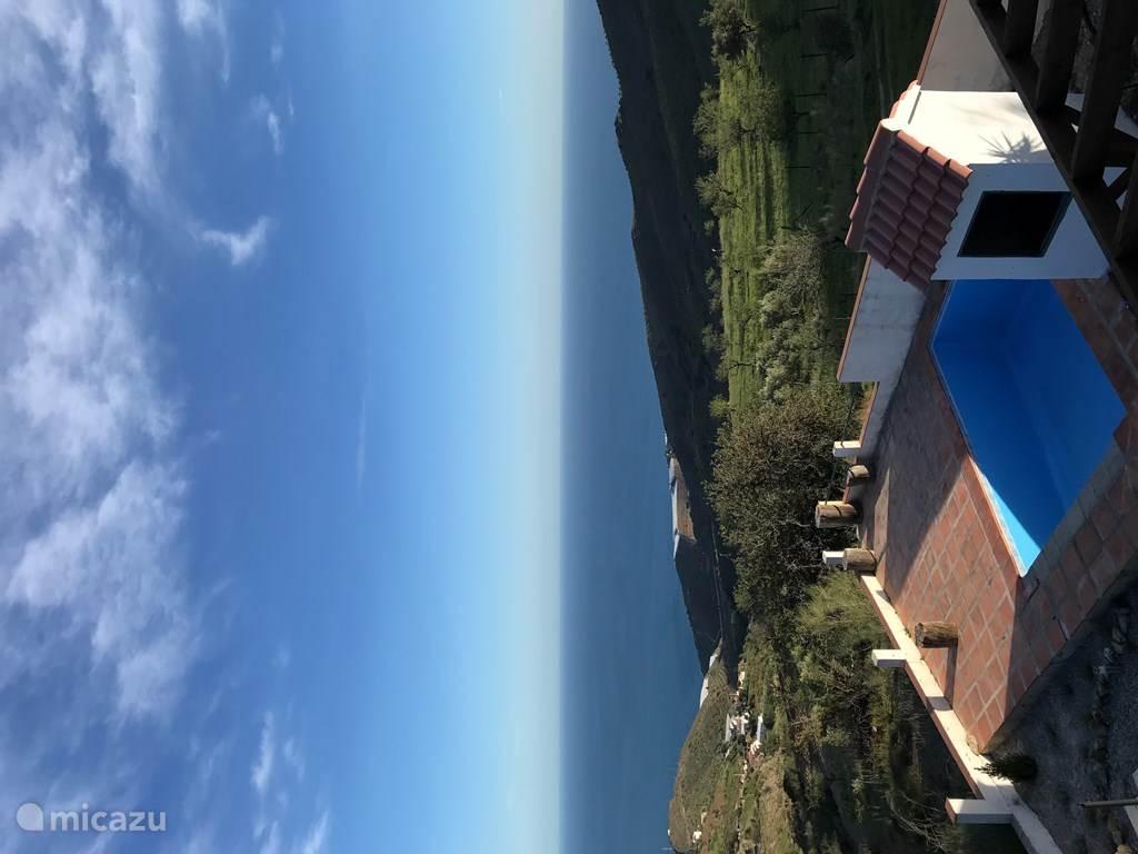 Foto gemaakt vanaf het dak van huis