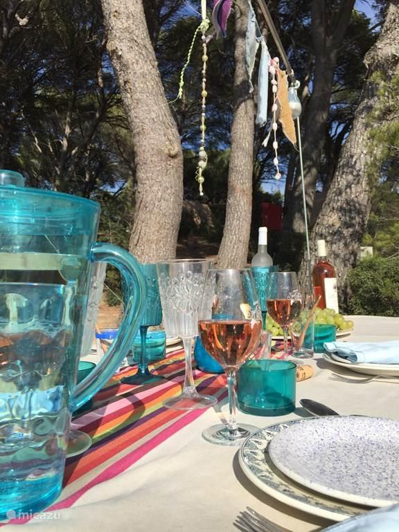 Iedere dag voor de tent  buiten eten!