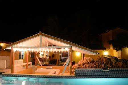 Vacation rental Curaçao, Banda Abou (West), Grote Berg apartment Swimming pool side apartment 4 p