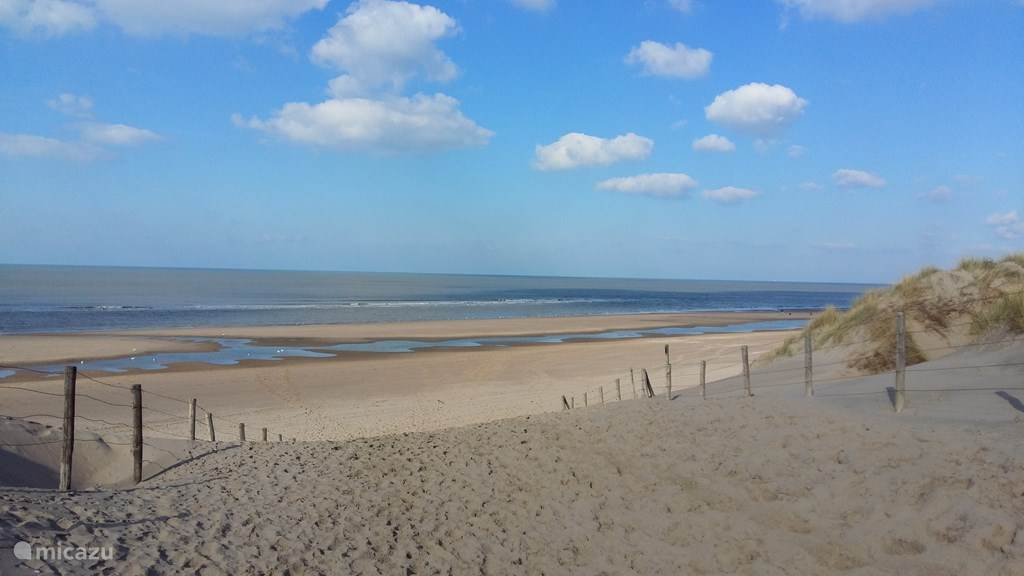 Ga heerlijk genieten aan dit mooie strand