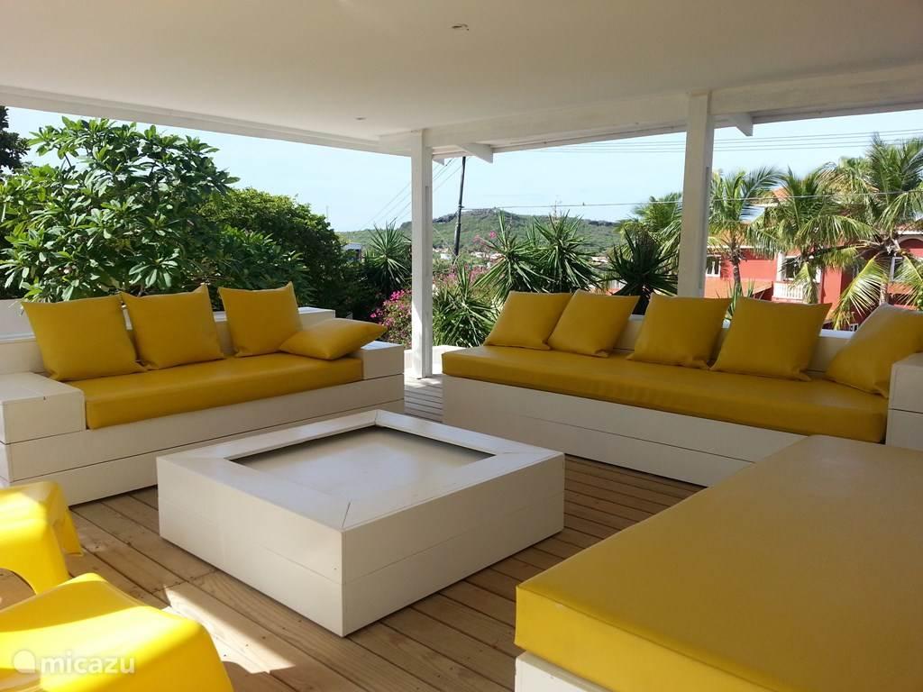 Overdekt lounge terras