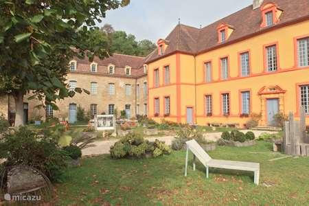 Vakantiehuis Frankrijk, Côte-d'Or, Sainte-Colombe-en-Auxois landhuis / kasteel  Gîte Château Sainte Colombe 14 pers