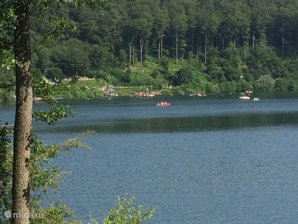 Zwemmen en kanovaren op het Pulver Maare