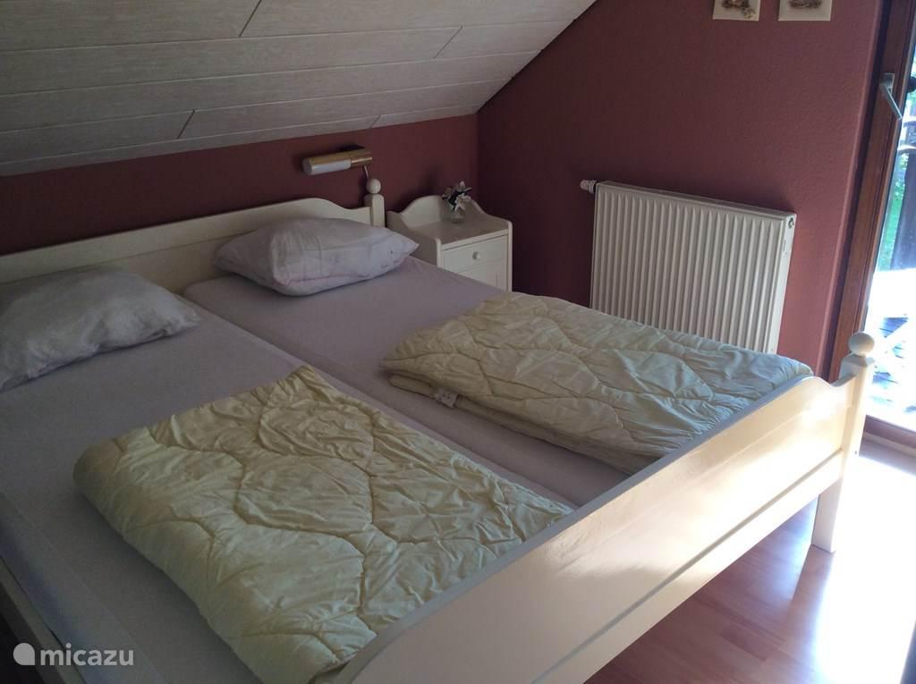 Twee persoons slaapkamer boven