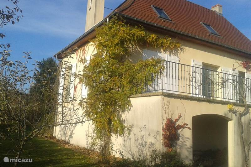 Vacation rental France, Allier, Lapalisse Holiday house holiday home with atmosphere and cachet