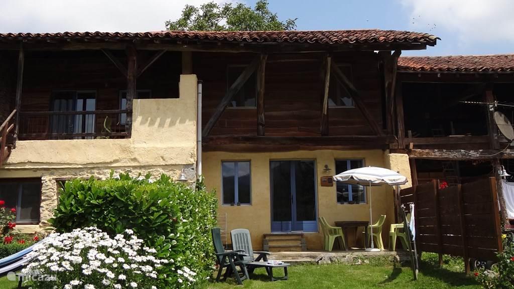 Ruimte, Rust en Recreëren,  de  3  R-en van een geslaagde vakantie a la campagne bij Résidence de vacances Les Trois Montagnes In de Franse Pyreneeën, departement de Haute-Garonne,in het plaatsje Ganties, willen wij U graag verwelkomen.