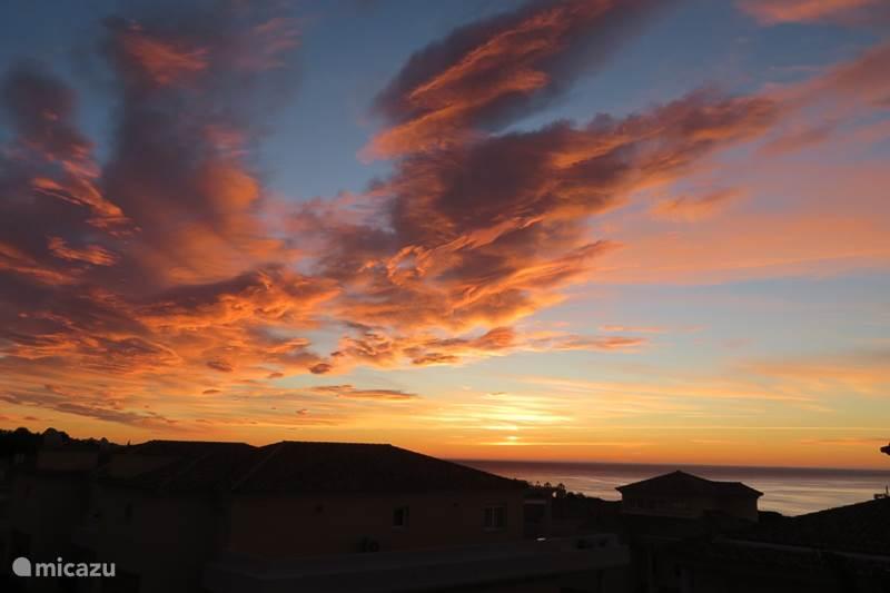 Vakantiehuis Spanje, Costa del Sol, Marbella Cabopino Appartement Cabopino Penthouse - Prijzen ALL-IN