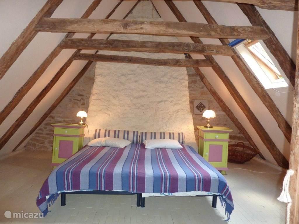 Au Tilleul, slaapkamer boven, met 4 bedden.