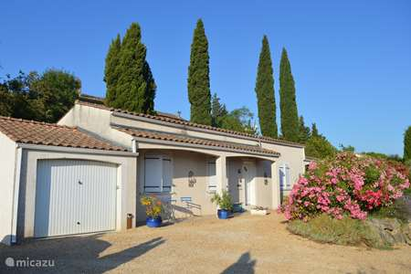 Vacation rental France, Gard, Goudargues villa La Muraille