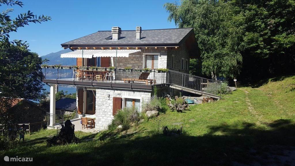 Vacation rental Italy, Lake Como, Montemezzo chalet chalet Cher apartment Le Papere