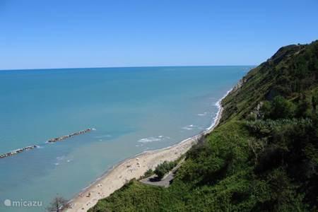 Vlakbij het strand en toch in de prachtige natuur. Een ideale basis om de omgeving te verkennen.