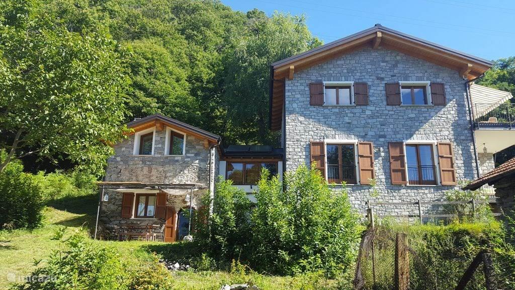 Vakantiehuis Italië, Comomeer, Montemezzo chalet Chalet Cher appartement Campanelle