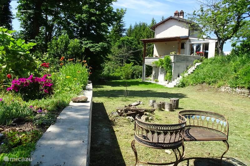 Vakantiehuis Italië, Piëmont, Orsara Bormida Vakantiehuis Casacrox