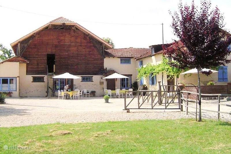 Vacation rental France, Gers, Masseube Holiday house FOR SALE nice domain EUR 279,000