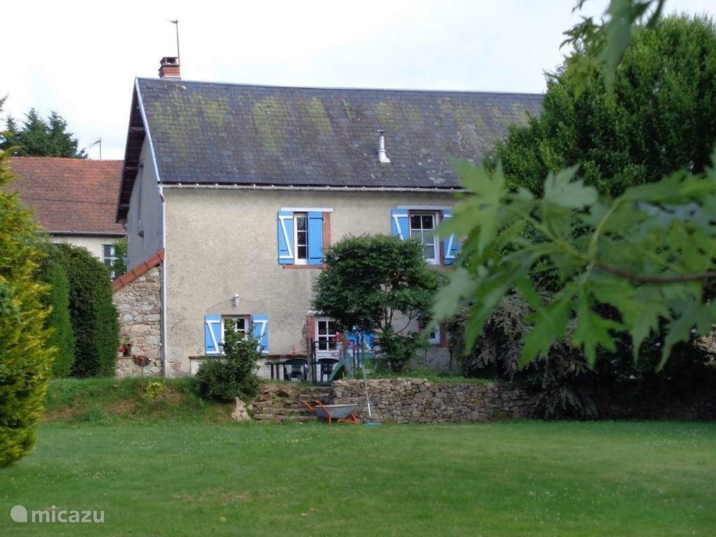 Vacation rental France, Puy-de-Dôme, Montel-de-Gelat holiday house Montauvert