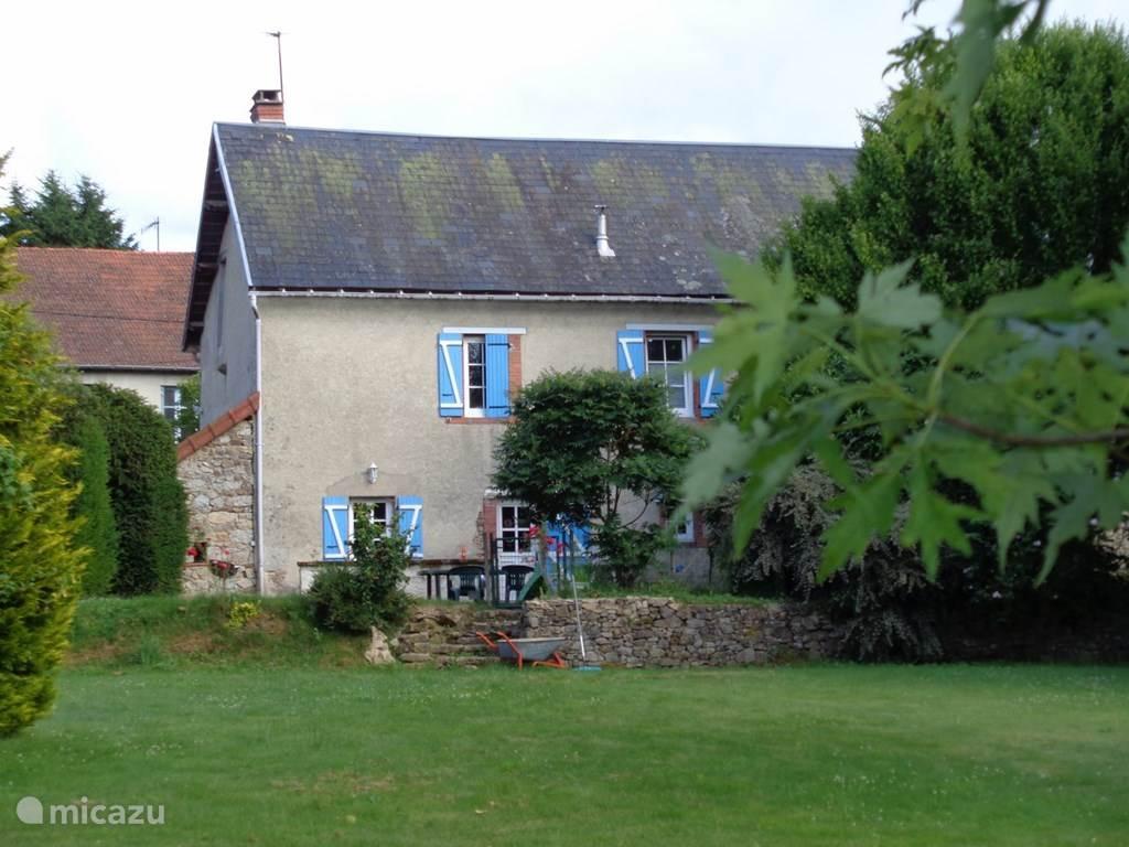 Vakantiehuis Frankrijk, Auvergne, Montel-de-Gelat Vakantiehuis Montauvert