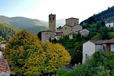Sant Andrea di Compito - Borgo delle Camelie - beschermd Toscaans dorpsgezicht
