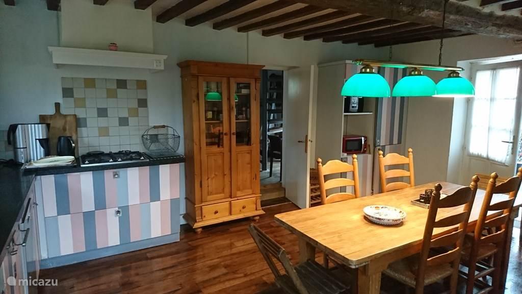 Keuken met houtkachel