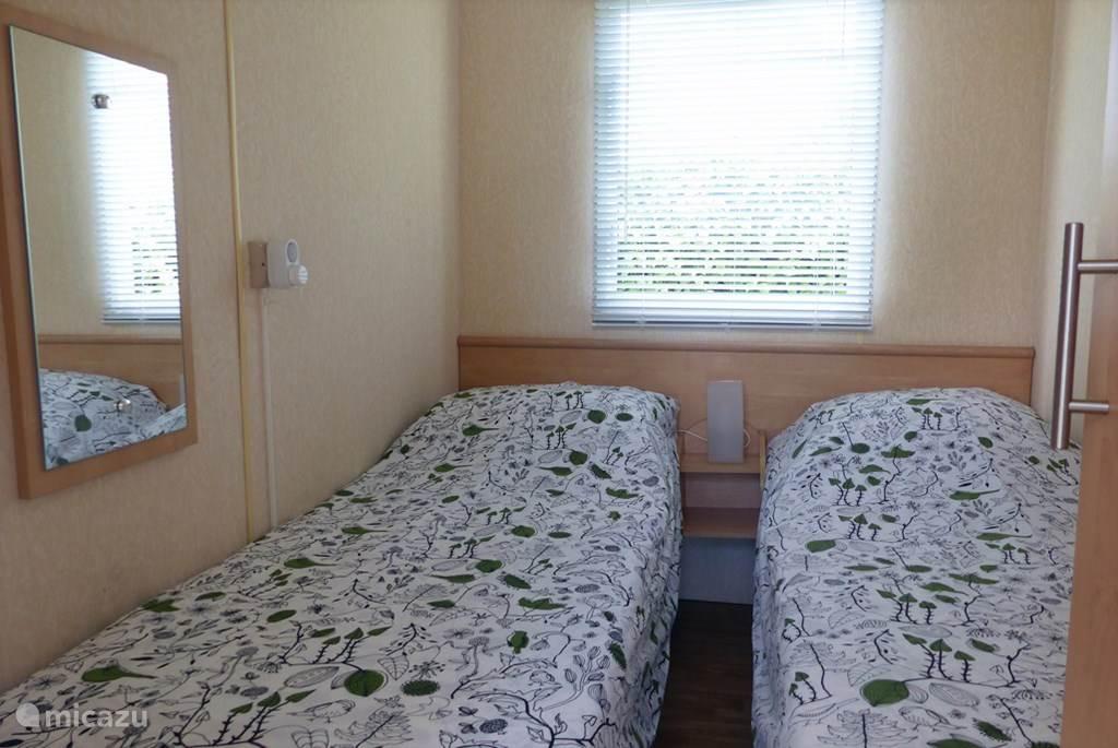 Kamer twee eenpersoonsbedden