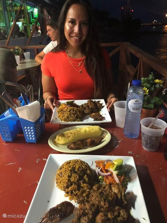 Heerlijk eten en slenteren door Seminyak