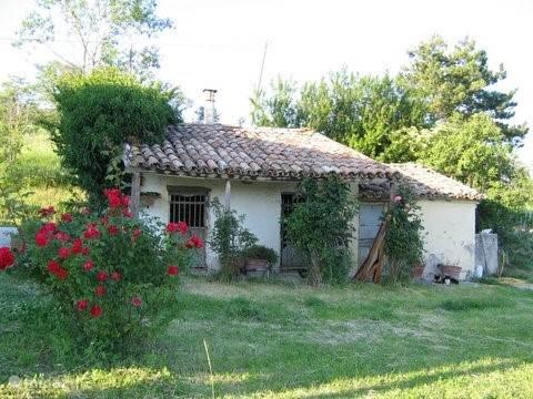 buitenkeuken en oude stalletjes de oude romantiek herleeft