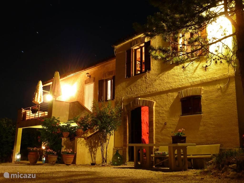 Villa San Vitale by night