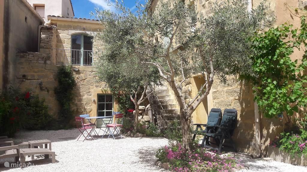 Vakantiehuis Frankrijk, Languedoc-Roussillon, Saint-Quentin-la-Poterie vakantiehuis Oase van rust vlak bij Uzès