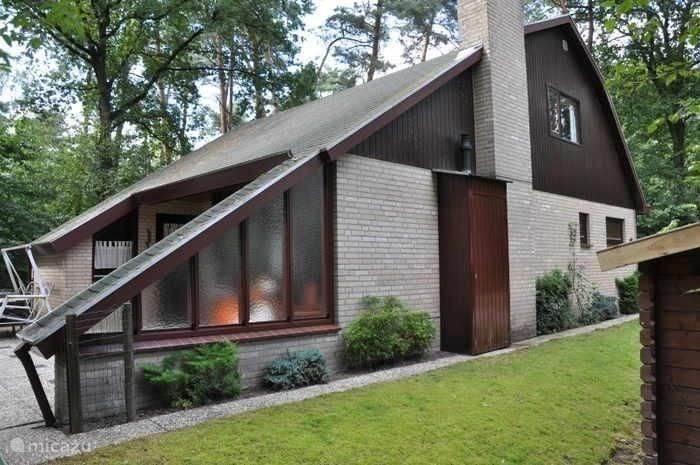 de bungalow aan de buitenkant