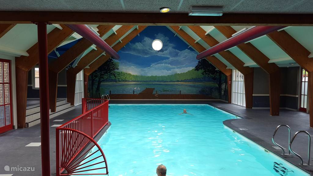 binnen zwembad gratis