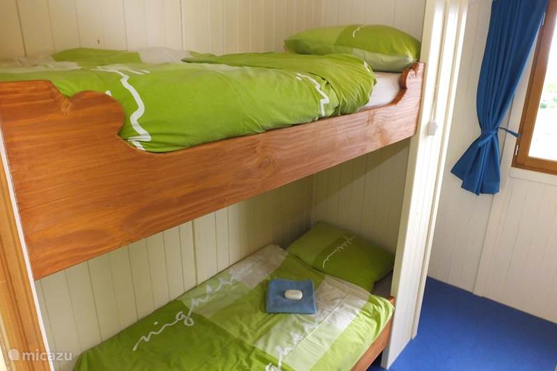 Vacation rental France, Creuse, Nouhant Chalet Gipsycar 'Roulotte'