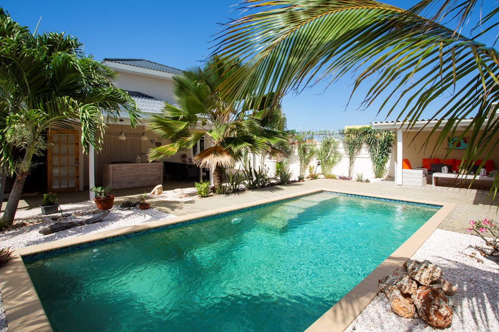 Villa Clé has recently come into the rental and is therefore still available in August and September 2018. Book now with 15% discount !