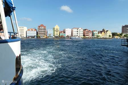 Willemstad with the Anna Bay.
