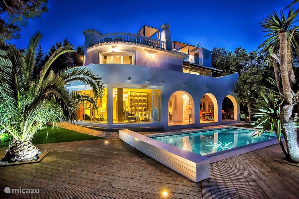 Super de luxe villa met zwembad in mijas andalusi huren for Luxe villa met zwembad
