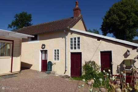 Vacation rental France, Nièvre, Epiry  gîte / cottage nature house