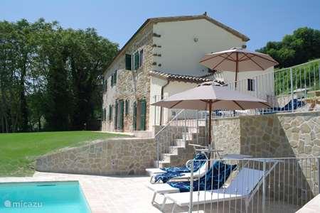 Vakantiehuis Italië, Marche, San Lorenzo In Campo - vakantiehuis Casa Brizzi te Montesecco (Pergola)