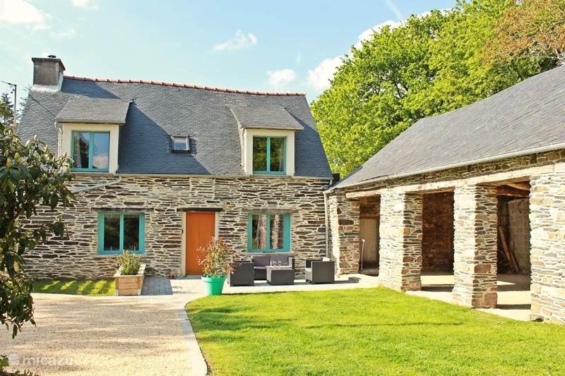 Vacation rental France, Côtes-d'Armor, Caurel  Gîte / Cottage Hirondelle