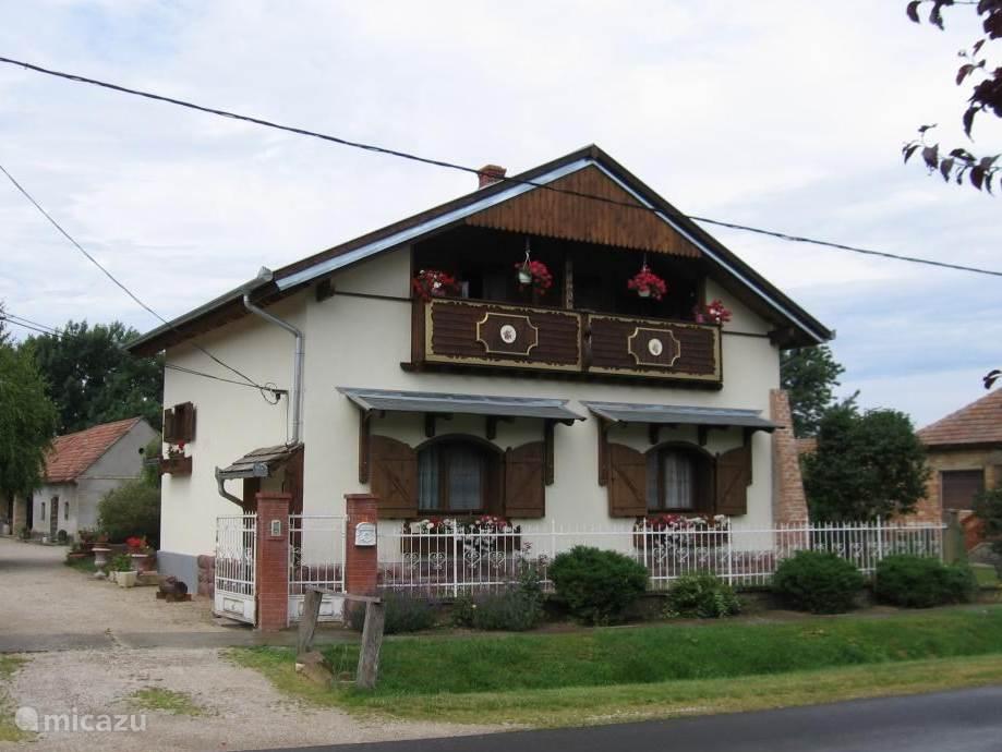 Vacation rental Hungary, Lake Balaton, Hogyesz holiday house Blessed country house Hungary