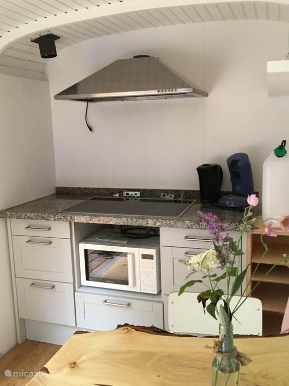 Keukentje in de pipowagen