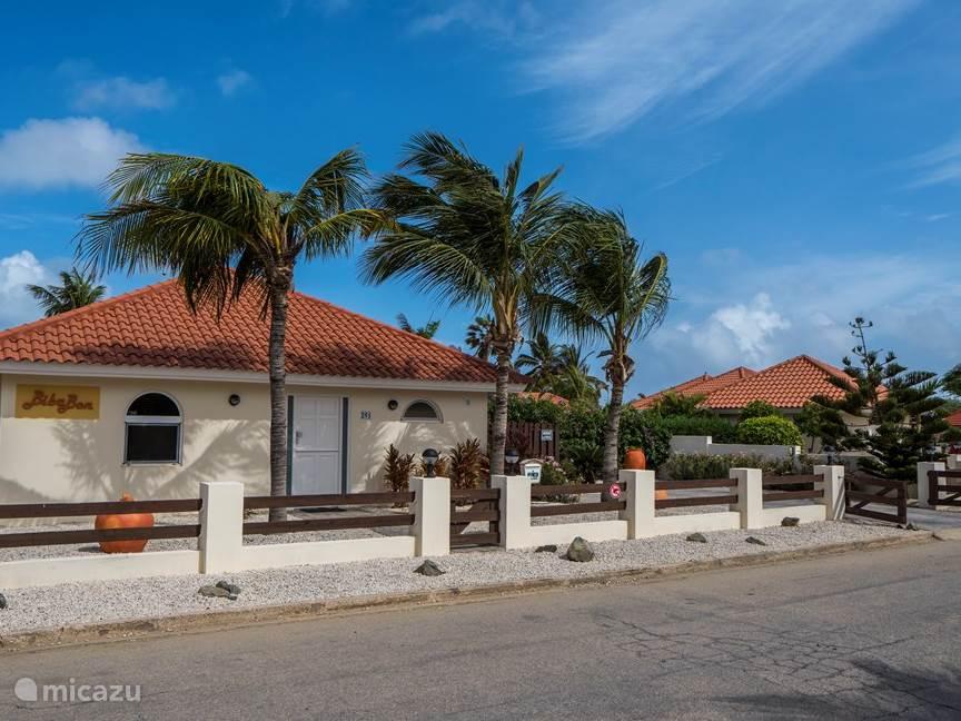 Front view of the villa in a quiet neighborhood