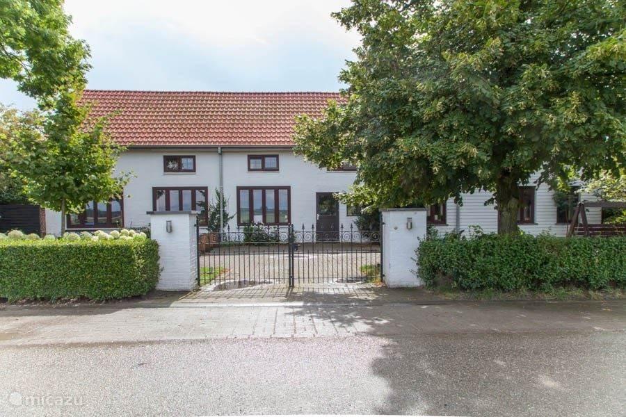 Vakantiehuis Nederland, Zeeland, Schoondijke - vakantiehuis Vakantiewoning 'De Oude School'