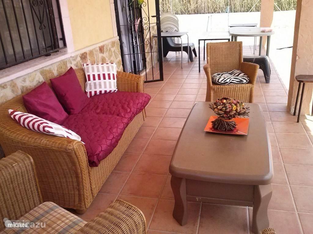 Barbecue plekje met zitje ook te gebruiken tijdens uw verblijf