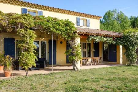 Vacation rental France, Drôme, Mirabel-aux-Baronnies holiday house La Source