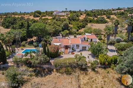 Vakantiehuis Portugal, Algarve, Carvoeiro vakantiehuis Algarve vakantiehuis privé zwembad