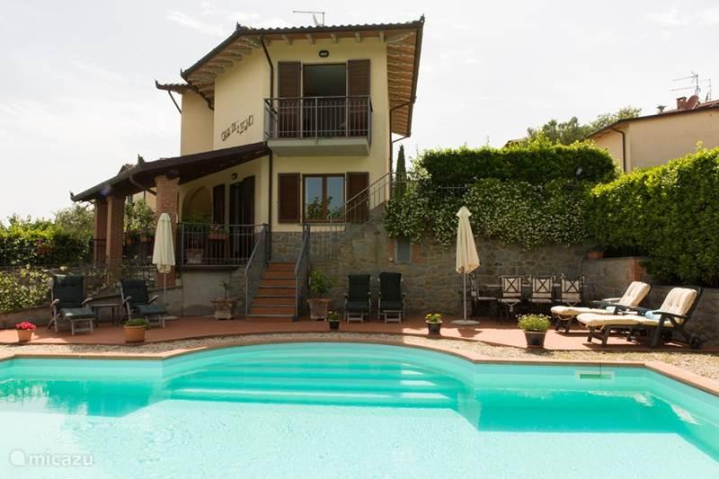 Vakantiehuis Italië, Umbrië, Tuoro sul Trasimeno Villa Casa di Legno